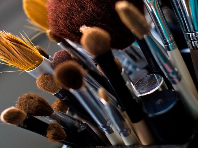 化妆刷香港至肯尼亚