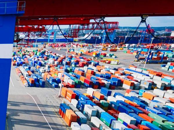 海运集装箱不能装哪些货物呢?