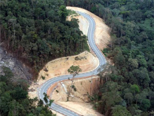 中建五局刚果(布)一号公路项目