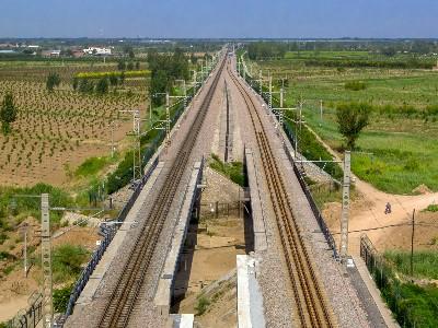 """中国企业对""""一带一路""""沿线国家投资累计超1000多亿美元"""